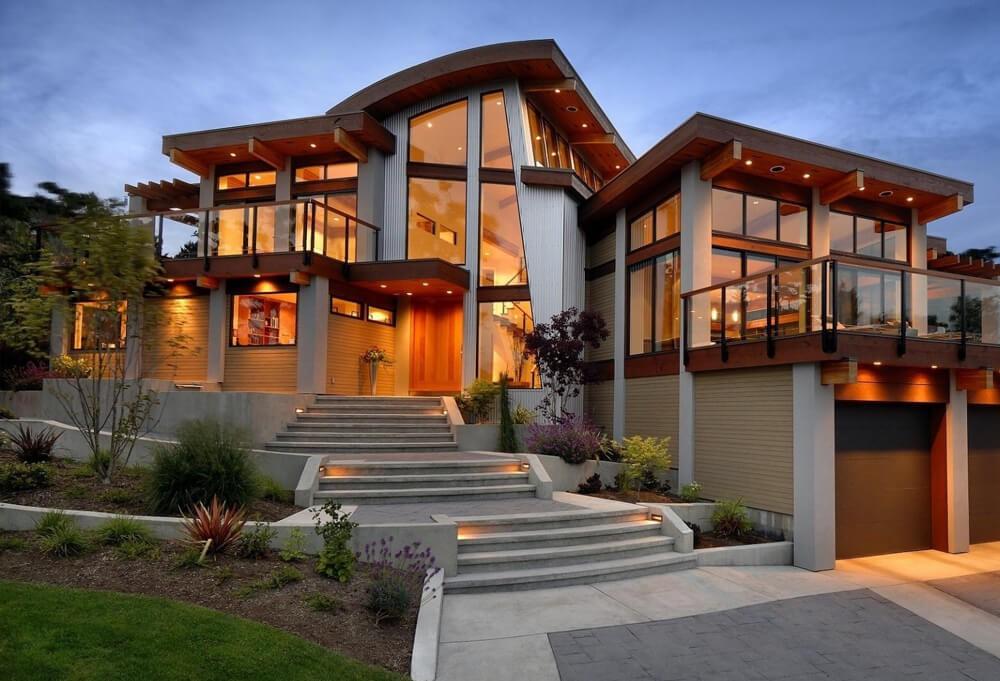 Unique wooden house in Ba...